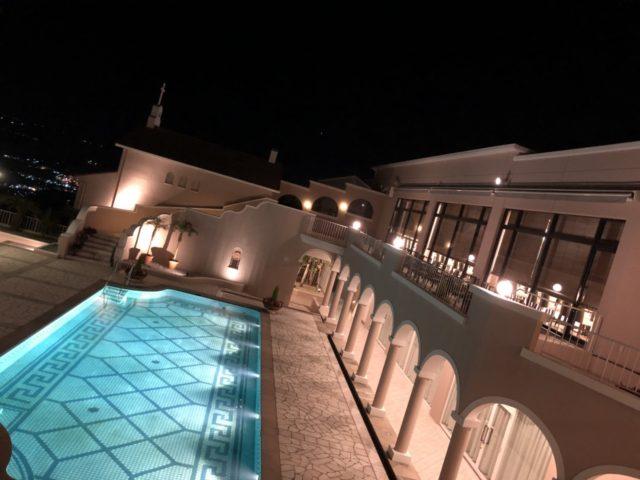 「弓張の丘ホテル」